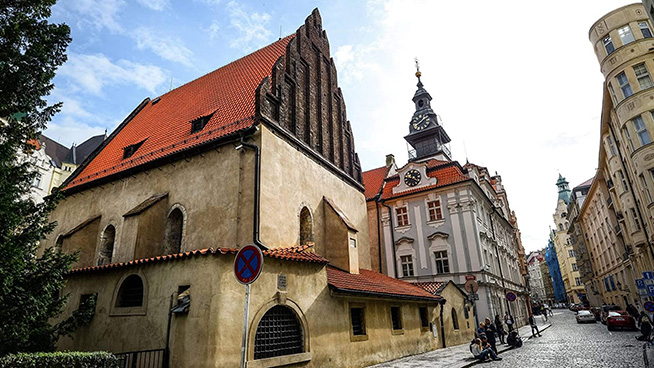 Explore historical synagogues in Prague's Jewish Quarter