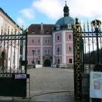 Not far from the popular spa town of Karlovy Vary (Carlsbad or Karlsbad) is the picturesque town of Becov nad Teplou with its Gothic castle, Renaissance palace, Late Baroque chateau and terraced gardens.
