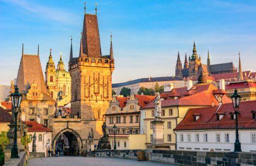 prague tours: charles bridge and prague castle