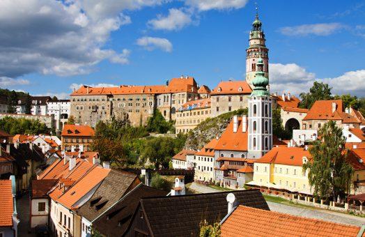 vienna to prague via cesky krumlov: castle in cesky krumlov
