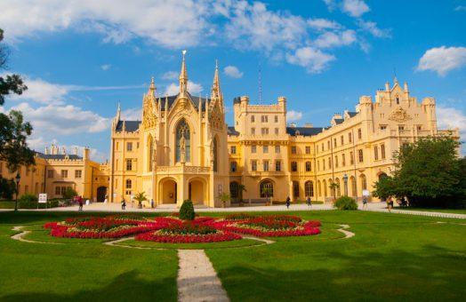 Budapest to Prague, Prague to Budapest transfers via Bratislava and Lednice/Valtice Chateau