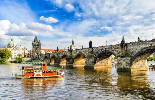 prague tours: charles bridge